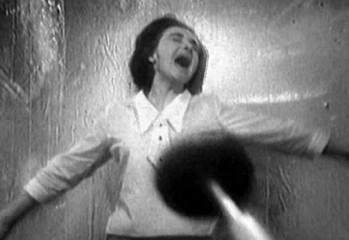 Barbara tiene el primer encuentro con un Dalek en The Dead Planet