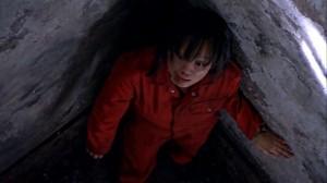 Tosh en la prisión de UNIT, antes de trabajar para Torchwood Tres T: Fragments (Fragmentos)