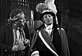 El Doctor se hace pasar por Oficial Regional de Provincia para ayudar a sus amigos en  A Change of Identity