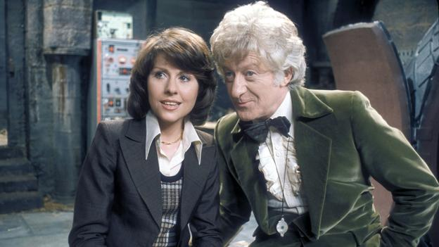 Sarah Jane con el Tercer Doctor en su primera historia. The Time Warrior (El Guerrero del Tiempo)