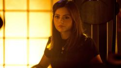 Clara recibe un mensaje: clip de The Name of the Doctor 